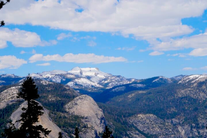 Gorgeous Panoramic View of Yosemite National Park from the Glacier Point Amphitheatre