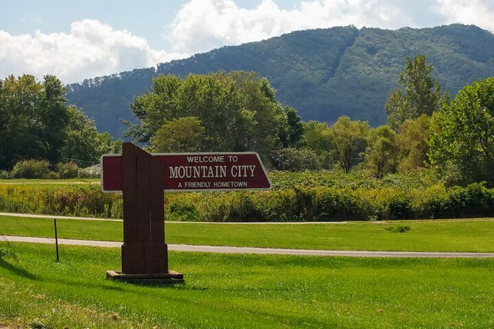 Mountain City Sign
