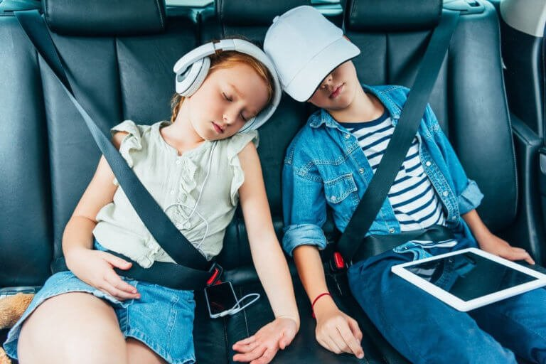 10 Sanity Keeping Tips For Traveling With Kids