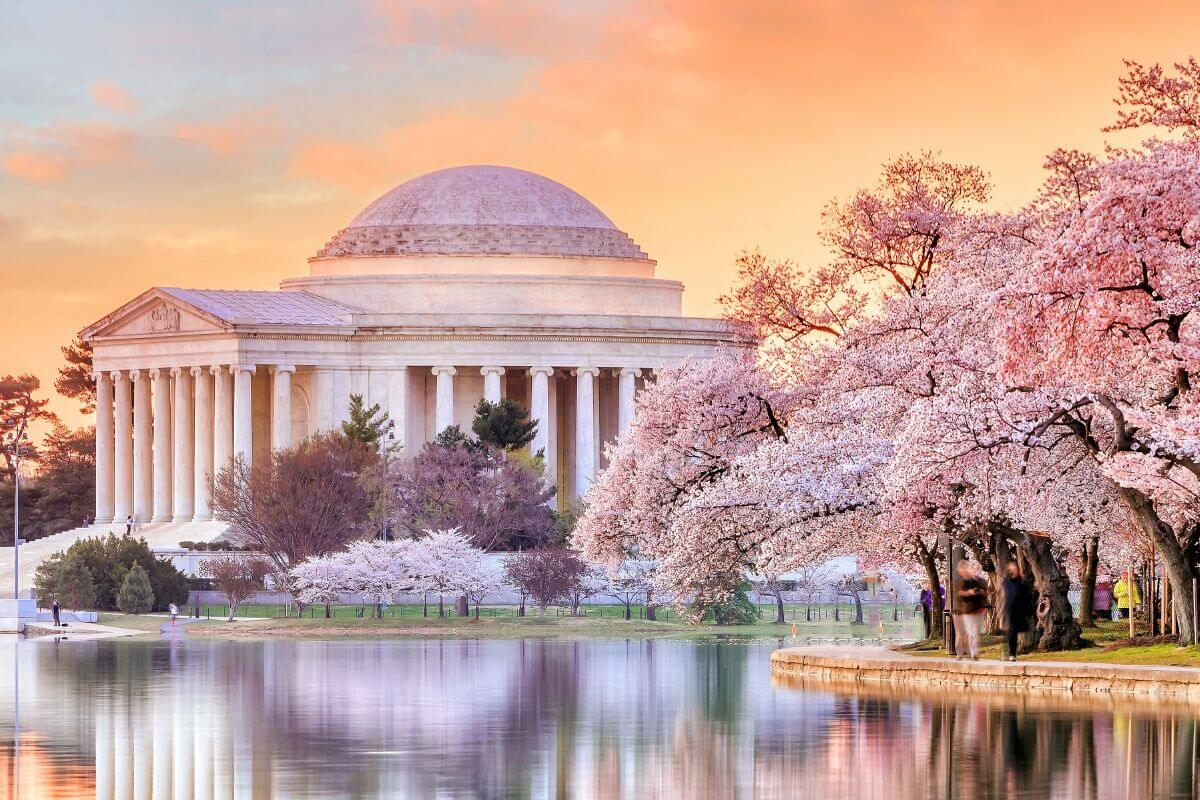 best places to visit in the usa in the month of April