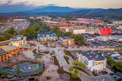 pigeon forge, tn in april