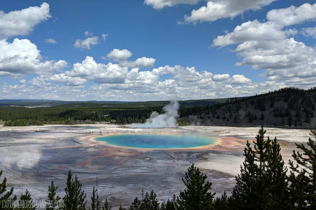 best places to travel in the usa in august- yellowstone national park