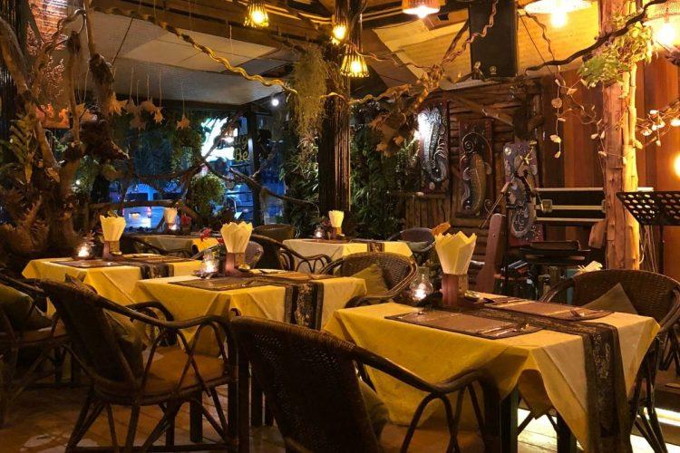 gatlinburg restaurants