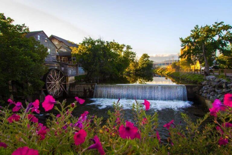 You Should Totally Book One Of these 7 Campgrounds in Pigeon Forge This Year!