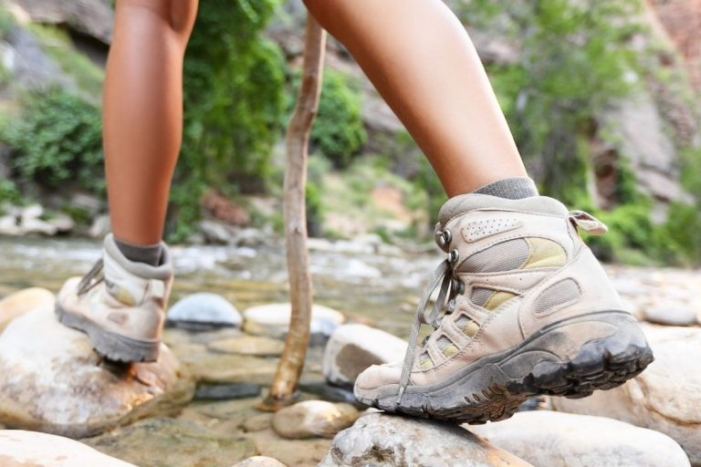 Best Hiking Boots For Flat Feet On The Market