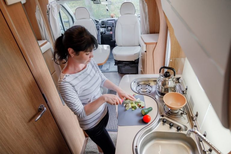 7 Easy Tips For Cooking In An RV
